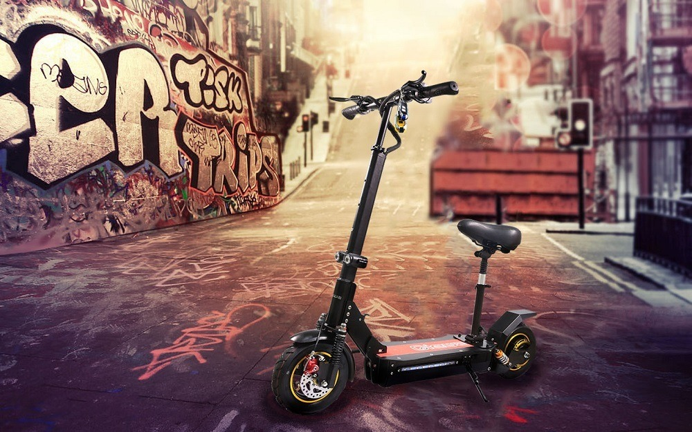 Qiewa Q1 Hummer Electric Scooter Review: Rock Solid And Fast
